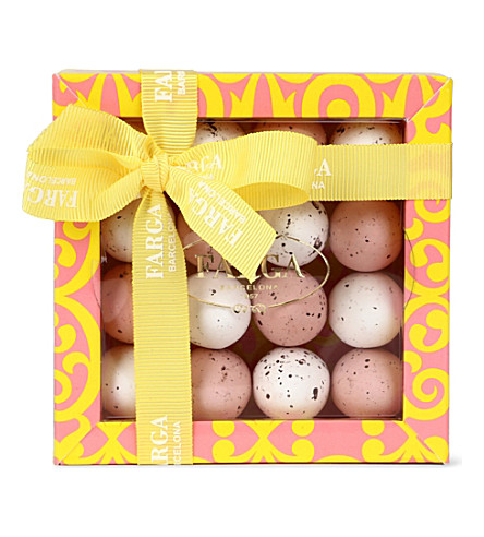 FARGA Praline pink and white Easter eggs