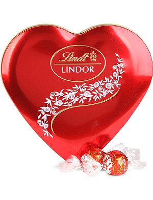LINDT Heart tin with crystals 212g