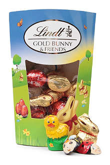 LINDT Gold Bunny and Friends milk chocolate sharing pack 182g