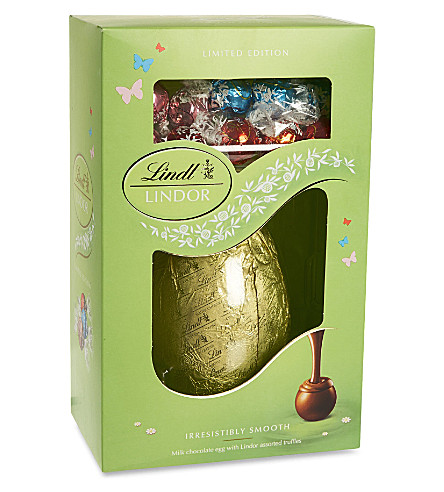 LINDT Milk chocolate egg with assorted truffles 285g
