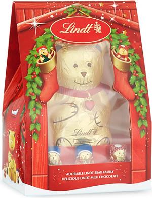LINDT Adorable Bear Family milk chocolate set 230g