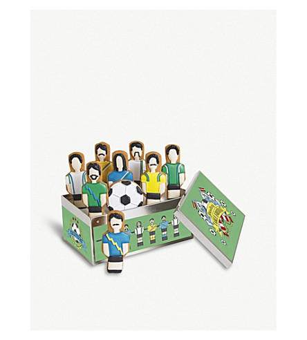 BISCUITEERS Football Table ginger biscuits box of nine