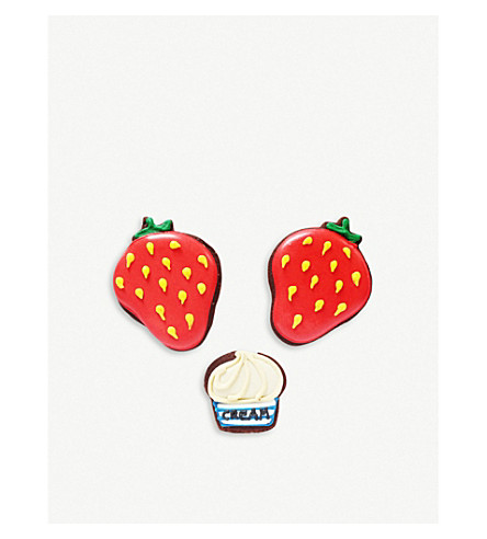 BISCUITEERS Strawberries and Cream biscuit card