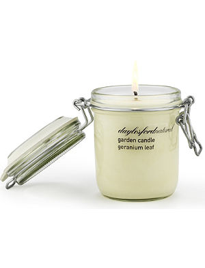 DAYLESFORD Geranium Leaf large jar candle