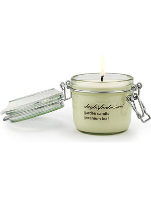 DAYLESFORD Geranium Leaf medium jar candle