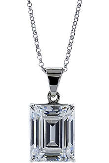CARAT 1.5ct emerald cut pendant