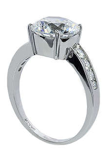 CARAT Round brilliant 2.5ct solitaire ring