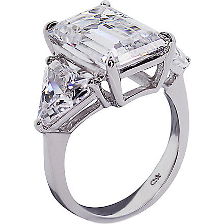 CARAT Emerald cut 7ct trilogy cocktail ring (White
