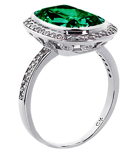 CARAT LONDON Grand Emerald 9ct cushion borderset ring (Green