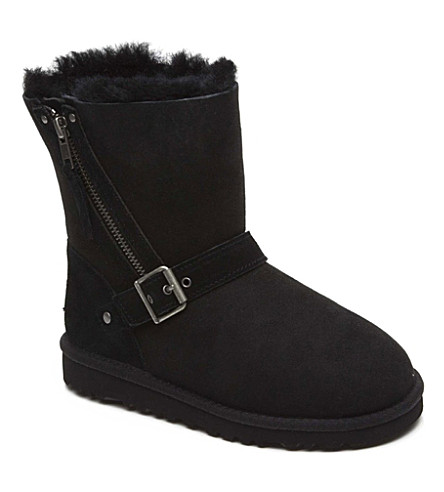 UGG Blaise sheepskin boots 7-11 years (Black