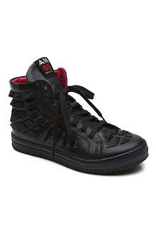 AM66 Rubber spike trainers 7-13 years