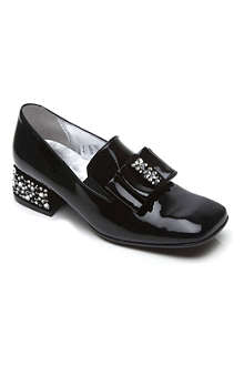 STEP2WO Noble patent leather pumps 7-10 years