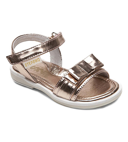 STEP2WO Candy bow-detailed metallic sandals 3-8 years (Pink
