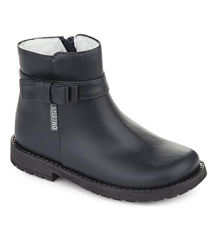 STEP2WO 信念蝴蝶结细节皮革脚踝靴 2-4 岁(海军 + 皮革