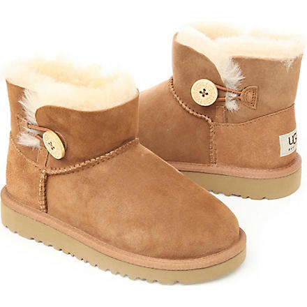 UGG Mini Bailey Button boots sizes UK 5 (kids)-UK 6 (adult) (Tan