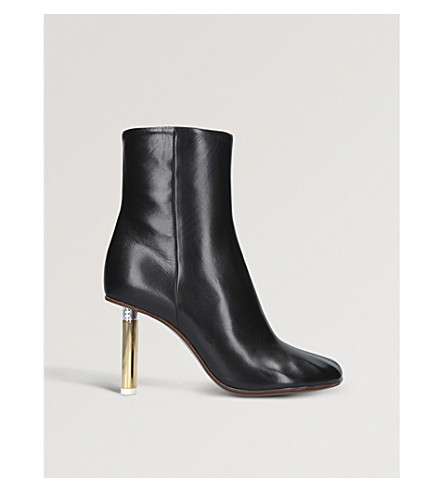 VETEMENTS Leather ankle boots (Black