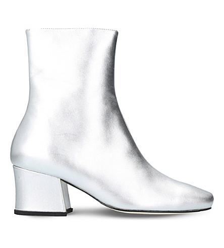 DORATEYMUR Sybil Leek metallic leather boots (Silver