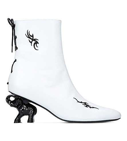 DORATEYMUR Tribal elephant heel leather ankle boots (White