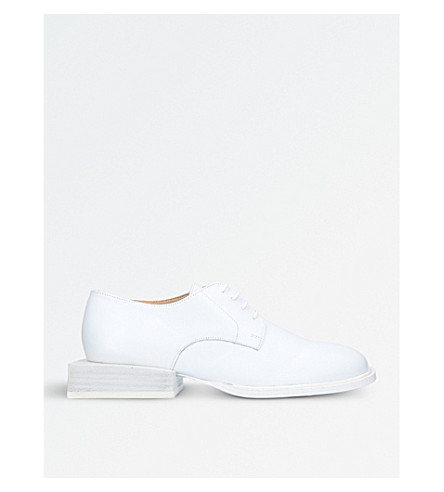JACQUEMUS Clown leather Derby shoes (White