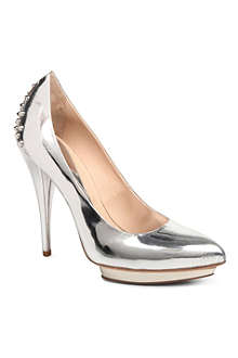 MCQ ALEXANDER MCQUEEN Studded leather court shoes