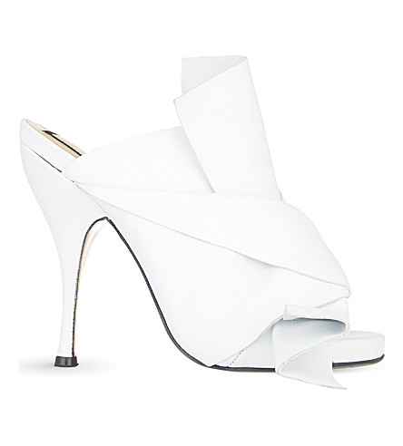 NO 21 Bow heeled mule sandals (White