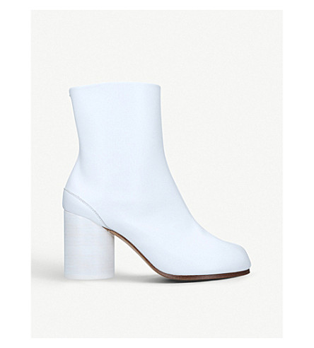 MAISON MARGIELA Tabi patent leather ankle boots (White