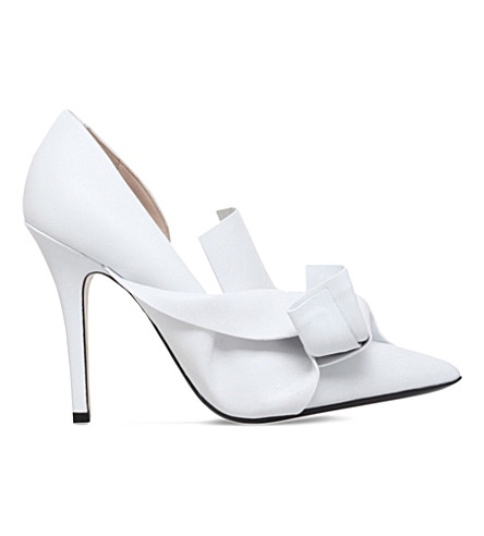 NO 21 Bow satin courts (White