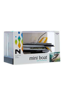 FLYING GADGETS Mini radio controlled boat