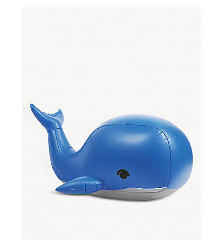 SUNNYLIFE Inflatable sprinkler Moby-Dick