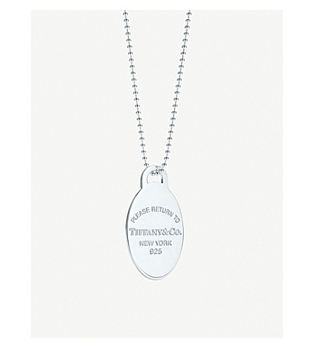 TIFFANY & CO Return to Tiffany oval tag sterling silver pendant