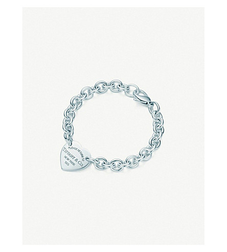 TIFFANY & CO Return to Tiffany™ medium heart tag on a bracelet in sterling silver