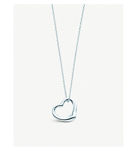 TIFFANY & CO Elsa Peretti® Open Heart pendant in sterling silver, medium