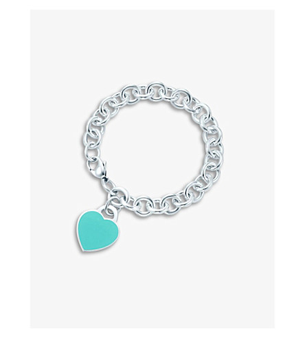 TIFFANY & CO Return to Tiffany heart tag in silver with enamel finish on a bracelet
