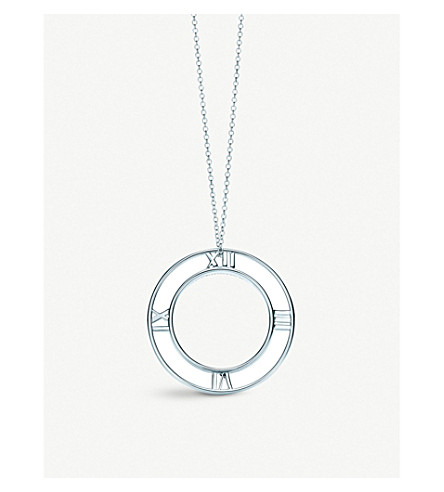 TIFFANY & CO Atlas® round pendant in sterling silver, small