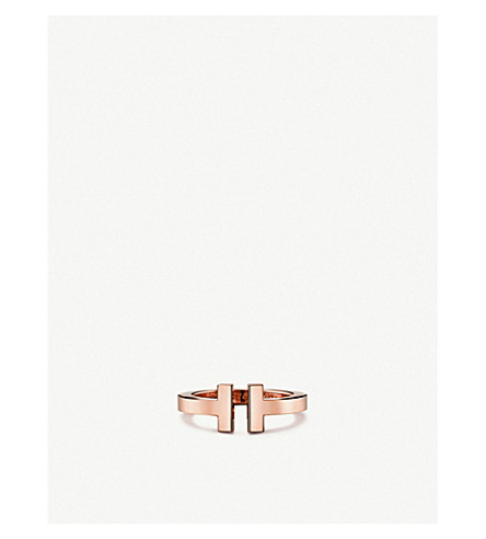 TIFFANY 和 CO TIFFANY18k 玫瑰金中的 T 平方环