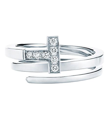 TIFFANY 和 CO TIFFANY18k 白金带钻石的 T 包装环