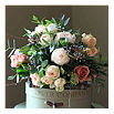THE REAL FLOWER COMPANY Antique woodland rose posy