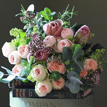 THE REAL FLOWER COMPANY Antique & Pavlova bouquet