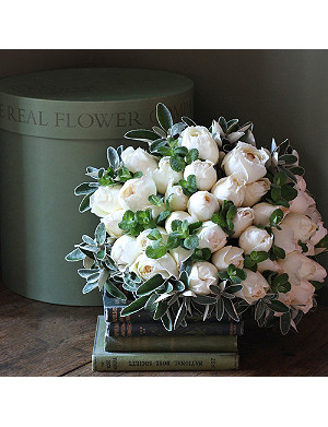 THE REAL FLOWER COMPANY Scented Ivory Peony Rose hat box