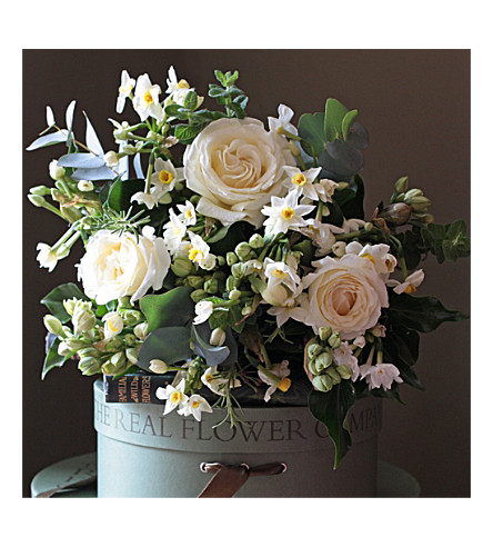 THE REAL FLOWER COMPANY Ivory Rose Scented Narcissi Posy bouquet