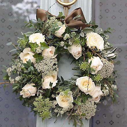 THE REAL FLOWER COMPANY Christmas Scented Ivory Snowflake Wreath