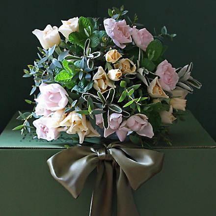 THE REAL FLOWER COMPANY Pastel rose spray