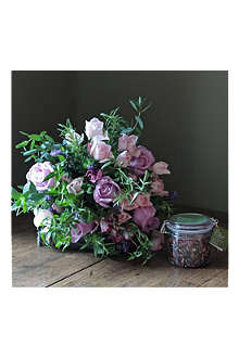 THE REAL FLOWER COMPANY Scented Rose & Herb Tea bouquet