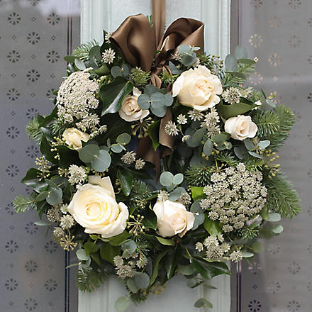 THE REAL FLOWER COMPANY Christmas Scented Ivory Door Wreath