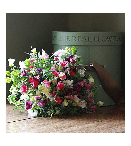 THE REAL FLOWER COMPANY Sweet Pea Luxury Hat Box bouquet