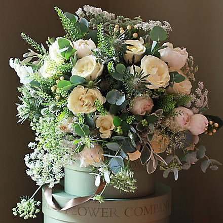 THE REAL FLOWER COMPANY Ultimate luxury scented snowflake ivory bouquet