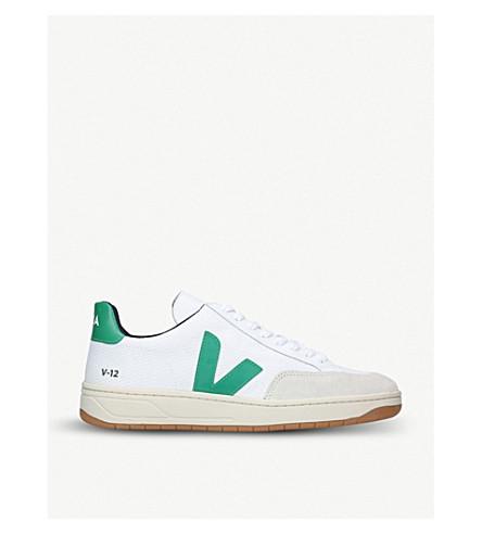 VEJA V-12 网和麂皮绒运动鞋 (白色/其他
