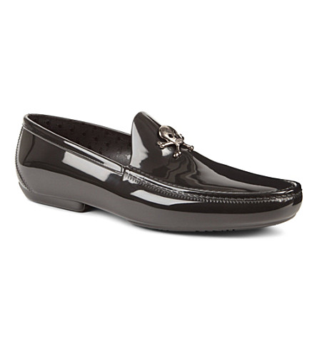 VIVIENNE WESTWOOD Skull and crossbone loafers (Black