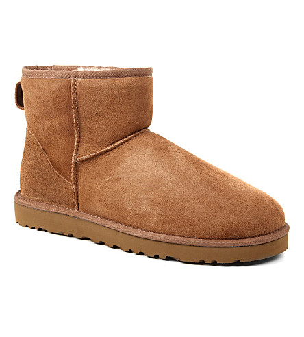 UGG Classic mini sheepskin boots (Brown