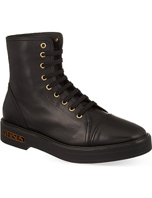VERSUS Heel logo leather boots
